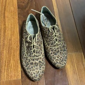 Forever 21 leopard loafers size 7